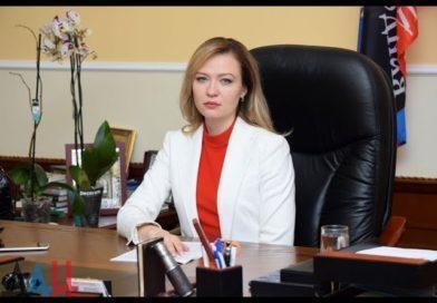 Entretien avec Natalia Nikonorova,  Ministre des Affaires Etrangères de la DNR (Partie 1)